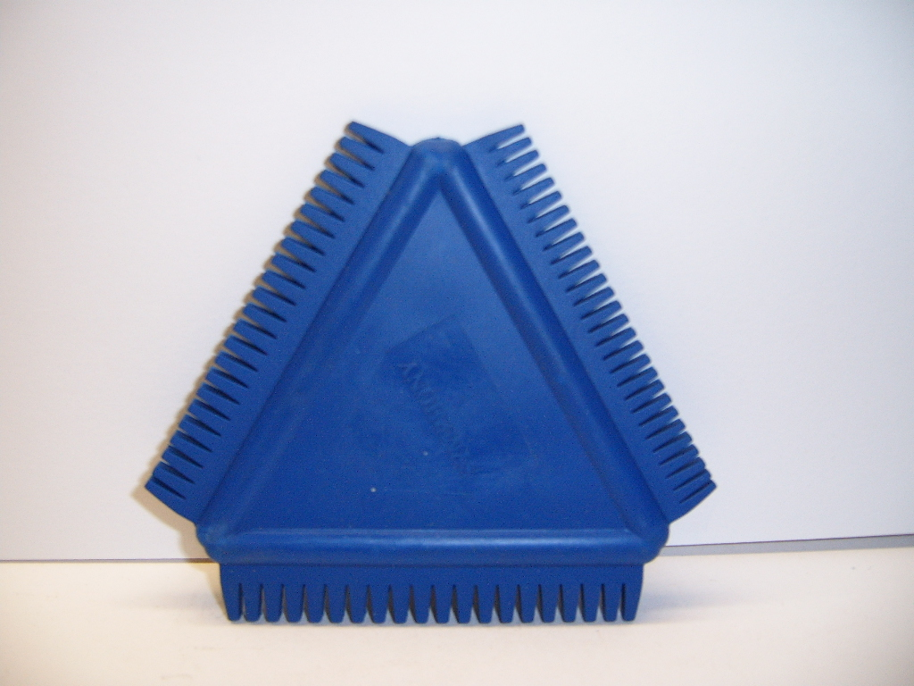 Triangular Graining Comb